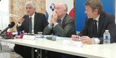 L'association Territoires unis regroupe l'association Régions de France présidée par Hervé Morin (à gauche), l'assemblée des départements de France présidée par Dominique Bussereau (au milieu) et l'association des maires de France (AMF) présidée par François Baroin.