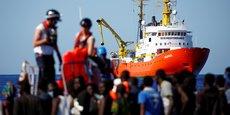 Le drame de l'Aquarius, errant en Méditerranée à la recherche d'un port européen disposé à l'accueillir, symbolise l'impasse de la situation.