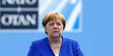 Au sommet de l'OTAN ce matin, Merkel s'est retrouvée dans le collimateur du président américain : Si vous regardez bien, l'Allemagne est aux mains de la Russie. Ils se sont débarrassés de leurs centrales à charbon, de leurs centrales nucléaires. La majeure partie du pétrole et du gaz en Allemagne provient de Russie. Je pense que l'Otan doit regarder cela de plus près, a-t-il déclaré, en appelant ses partenaires stratégiques à un rééquilibrage des engagements en termes de dépenses de défense.