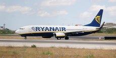 Ryanair prédit des prix moins élevés que prévu cet été avec un alourdissement de sa facture de kérosène du fait d'un rebond des prix du pétrole.