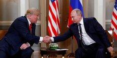 En ouverture du sommet d'Helsinki, Donald Trump a tendu la main à Poutine avant que les journalistes ne soient priés de quitter la salle, où les deux dirigeants devaient s'entretenir en la seule présence des interprètes avant un déjeuner de travail avec leurs conseillers.