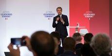 Emmanuel Macron a appelé les entreprises françaises à s'engager avec l'État pour pour améliorer l'insertion professionnelle dans les zones défavorisées.
