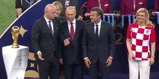 Emmanuel Macron lors de la fianle de la Coupe de monde de football à Moscou.