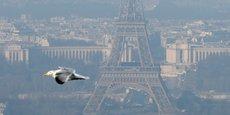 Malgré une amélioration depuis trente ans, Paris et la France doivent encore progresser sur la qualité de l'air. Avec 48.000 morts en 2016, les particules fines demeurent la 3e cause de mortalité en France.