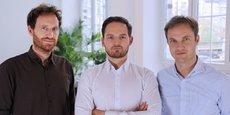 De gauche à droite : Thom Cummings (directeur marketing), Michael Cassau (fondateur et Pdg de Grover) et Thomas Antonioli (directeur financier).