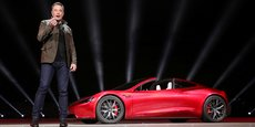 Le patron du constructeur automobile américain a affirmé travailler avec Silver Lake Partners pour faire sortir Tesla de la Bourse, mais la société de capital-investissement a démenti cette information, selon Bloomberg.