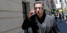 Michael Cohen a déjà été impliqué dans des affaires d'immobilier et de licences de taxis jaunes, mais s'est surtout rendu célèbre pour avoir payé, juste avant l'élection présidentielle de 2016, l'actrice de films X Stormy Daniels.
