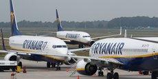 En France, un décret publié fin 2006 impose aux compagnies étrangères disposant d'une base dans l'Hexagone d'appliquer le droit de travail français à leurs salariés attachés à cette base, notamment les navigants. Ryanair a toujours considéré que la règle européenne, et non le décret français, prévalait.