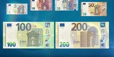 Les nouvelles coupures représentent toujours des exemples d'architecture :  baroques pour les 100 euros et contemporaine pour les 200 euros.