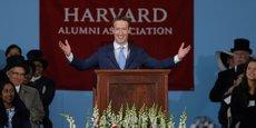 Mark Zuckerberg, fondateur de Facebook, a quitté Harvard en deuxième année ; Bill Gates de Microsoft aussi. Dans un autre registre, l'acteur Matt Damon n'y est resté que six mois.