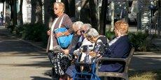 Une majorité de femmes (66 %) composent la part des seniors qui vivent sous le seuil de pauvreté.