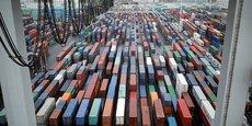 Ces moindres performances du commerce extérieur s'expliquent par un rebond des importations après un repli en juillet.