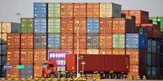 La guerre commerciale n'a pas écorné les exportations chinoises au cours du 3e trimestre, maintenues à flot par les entreprises accélérant leurs livraisons avant les taxes américaines et profitant d'un yuan affaibli, mais le secteur manufacturier s'est assombri et la tendance devrait s'aggraver au quatrième trimestre, observe Betty Wang, analyste de ANZ.