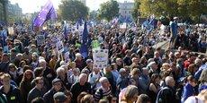 Près de 700.000 personnes ont manifesté à Londres pour réclamer un référendum sur l'accord final sur le Brexit.