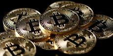 Les tous premiers bitcoins seront émis le 3 janvier 2009, quelques semaines après la publication du livre blanc fondateur de Satoshi Nakamoto, le 31 octobre 2008.