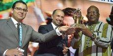 Brahim Fassi Fihri, président de l'Institut Amadeus ;  Mohcine Jazouli, ministre délégué en charge de la coopération africaine, et le président burkinabé, Roch Marc Kaboré, qui vient de se voir décerner le «Grand Prix Medays», ce 9 novembre 2018.