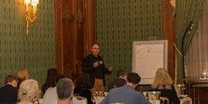 Jean-Marc Quarin pendant l'un de ses ateliers au Shangri-La.