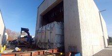 Accompagner la croissance des besoins, notamment industriels, de l'ouest de l'agglomération bordelaise : c'est l'objectif du nouveau poste source d'Enedis implanté à Mérignac. Le transformateur, de 87 tonnes, qui constitue le cœur de l'équipement, a été installé fin 2018 pour une mise en fonction cette fin d'année