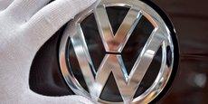 VW VA INVESTIR QUATRE MILLIARDS D'EUROS EN CHINE