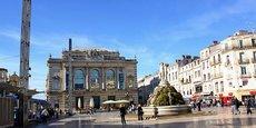 La Place de la Comédie, qui s'étend sur 13 000 m2, dont 20 % de commerces, va être réaménagée