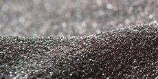 La grenaille abrasive est un processus industriel utilisé dans l'industrie pour nettoyer, entre autres, les pièces de fonderies.