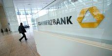 Commerzbank, la deuxième banque allemande a comme premier actionnaire l'Etat allemand, qui envisagerait de la rapprocher de Deutsche Bank, le premier établissement du pays.