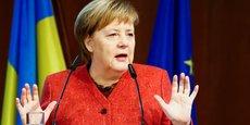 A cause de cette panne qui lui vaudra d'arriver avec 12 heures de retard à Buenos Aires, c'est tout l'agenda de la chancelière qui est bousculé, avec pour conséquences directes l'annulation de ses rencontres bilatérales avec Trump et Xi Jinping. L'un des dossiers sur lesquels elle est très attendue, c'est celui du conflit Russie-Ukraine sur l'annexion de la Crimée, dans lequel elle fait figure de médiatrice. (Photo : Merkel au German-Ukrainian Business Forum, hier 29 novembre, à Berlin)