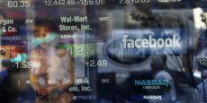Facebook ne vaut plus que 55 milliards de dollars à Wall Street, contre 100 milliards lors de son introduction en Bourse, le 17 mai 2012.Copyright Reuters