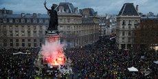 Le chef de l'État rencontrera les partenaires sociaux lundi à 10H00, après la nouvelle journée d'action des gilets jaunes qui a réuni environ 136.000 manifestants dans toute la France.