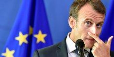 Pour enrayer la crise des Gilets jaunes, Emmanuel Macron a fait des annonces en faveur du pouvoir d'achat qui pourrait coûter « entre 8 et 10 milliards d'euros ». Si l'Elysée ce matin déclarait que le déficit resterait sous la barre des 3%, le président de l'Assemblée, Richard Ferrand, n'était pas du même avis. (Photo : le prédisent Macron en conférence de presse lors du Sommet des chefs d'Etat du 24 juin 2018 à la Commission européenne, à Bruxelles)