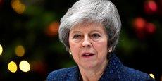 Ce mercredi matin du 12 décembre 2018, Theresa May donne une conférence de presse devant le 10 Downing Street après l'annonce par les Tories, son propre parti, d'un vote défiance à son encontre.