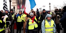 Les gilets jaunes ont lancé le mouvement ce samedi matin à Paris, sur les Champs-Elysées, près de l'Arc de Triomphe.
