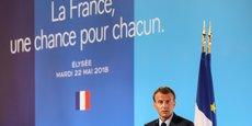 Emmanuel Macron, lors de la présentation d'un nouveau plan La France, une chance pour chacun et de l'installation du Conseil présidentiel des villes, le 22 mai 2018. Entre 2000 et 2015, plus de 100 milliards d'euros d'argent public ont été consacrés à l'ensemble des banlieues.