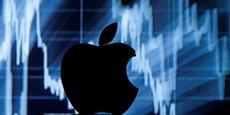 Le géant américain Apple a annoncé un chiffre d'affaires à la baisse pour le premier exercice décalé suite à des ventes d'iPhone plus faibles que prévues.