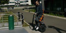 Designed on the basis of a real Segway like Segway, this machine, lighter than a classic electric wheelchair and has a smaller footprint, could become an indispensable tool for the daily life of people with reduced mobility.