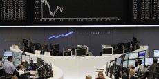 Les Bourses se remettent doucement de la menace syrienne (c) Reuters