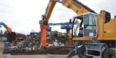 La pelle et la cisaille pour le démantèlement des wagons, nouveaux équipements de la PME nîmoise