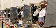 La croissance du marché des petits satellites (smallsats) sera notamment stimulée par l'arrivée des grandes constellations telles que OneWeb (ici sur la photo), Starlink SpaceX et le projet Kuiper (Amazon)