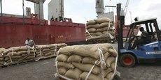 Un Accord de partenariat économique, ratifié en 2016, garantit aux exportations ivoiriennes, notamment de cacao, un accès au marché de l'UE en franchise de droits de douanes.