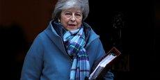 Theresa May, qui ne désespère toujours pas de convaincre l'UE de modifier le backstop, voudrait que le Parlement serre les rangs afin d'être plus fort lors de la prochaine phase de négociations.