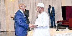 Face à l'amplification des revendications sociales, le chef de l'Etat, Ibrahim Boubakar Keita (à droite), et son premier ministre, Soumeylou Bouba Maiga, prônent le dialogue.