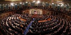 Soutenu par les démocrates ainsi que des républicains, le premier volet sur les infrastructures a été approuvé par le Sénat en août et Nancy Pelosi avait promis de la soumettre au vote de la Chambre des représentants d'ici le 27 septembre.