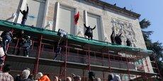 ALBANIE: DES ÉMEUTIERS ATTAQUENT LES BUREAUX DU PREMIER MINISTRE