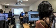 Aston, filiale à 100 % du groupe SQLI, forme actuellement 1.400 étudiants chaque année sur ses campus de Paris et de Lille.