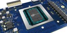 Facebook se lance avec Intel dans le développement de puces en silicium spécialisées en IA. Aujourd'hui, les deux entreprises travaillent conjointement sur le Nervana du fondeur, un processeur neuronal spécialisé dans les micro-architectures pour l'IA.