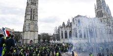 Manifestation des Gilets jaunes le 19 janvier, en face de la mairie de Bordeaux, place Pey Berland