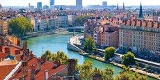 A Lyon, les prix à l'achat ont augmenté de 5,4% en l'espace d'un an, tandis que les loyers ont bondi de 10% depuis 2018, quelques mois avant la mise en place des mesures d'encadrement des loyers, prévues pour le second semestre 2021.