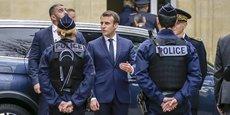 Le président de la République a rencontré les maires dans la résidence préfectorale, rue Vital-Carles à Bordeaux. Tout le quartier était bouclé par la police.