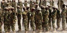 Confronté à une amplification des menaces sécuritaires, le Tchad a déployé son armée à la frontière avec la Libye où plusieurs groupes armés sont actifs, profitant du chaos qui règne dans le pays voisin.