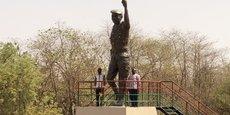 Citoyens et observateurs ont dénoncé une absence de ressemblance entre la statue dévoilée et le visage du Capitaine Thomas Sankara, certains osant même le parallèle entre le visage de la statue supposément inspirée de Moussa Dadis Camara, le capitaine putschiste guinéen.